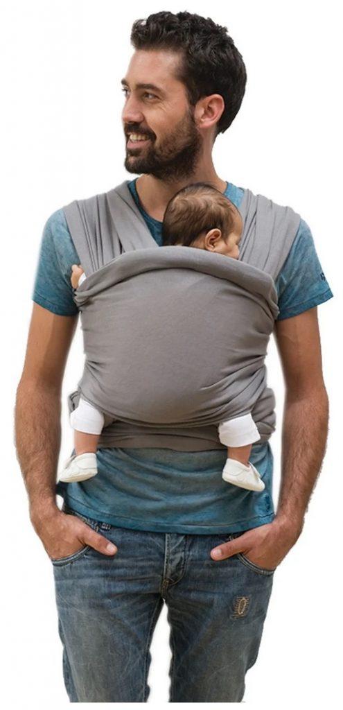 Babylonia Tricot Slen Bärsjal grå färg pappa som bär sitt barn i bärsjalen.