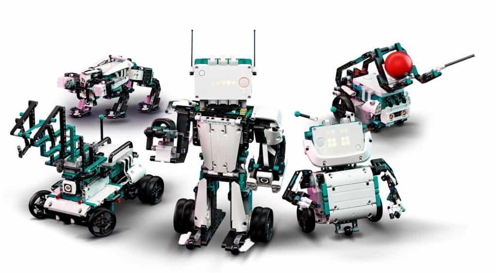 Fem Lego-robotar från Mindstorms Robot Inventor Kit